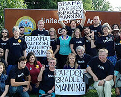 Team Manning: How a grassroots crew took on the US Army